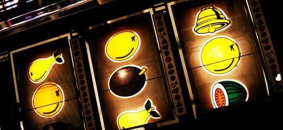 Automaty do Gry Online na Prawdziwe Pieniądze - Maszyny do Gier